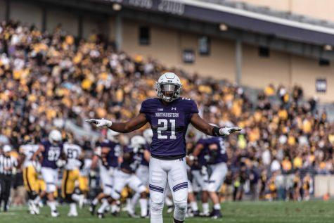 Football: Northwestern's defense shines again, smothers Iowa