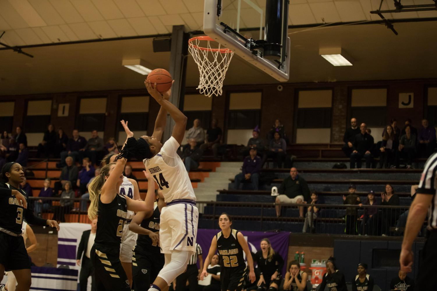 Pallas Kunaiyi-Akpanah goes up for a layup. The junior forward helped Northwestern pull away from Santa Clara in the fourth quarter.