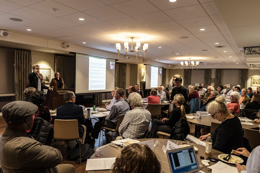 Faculty+Senators+gather+in+Scott+Hall+to+hear+a+presentation+on+sustainability.+Northwestern%E2%80%99s+Sustainability+Council+presented+its+first+Strategic+Sustainability+Plan+during+Faculty+Senate+Wednesday.
