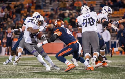 Football: No. 22 Northwestern dominates Illinois 42-7 to retain Land of Lincoln Trophy