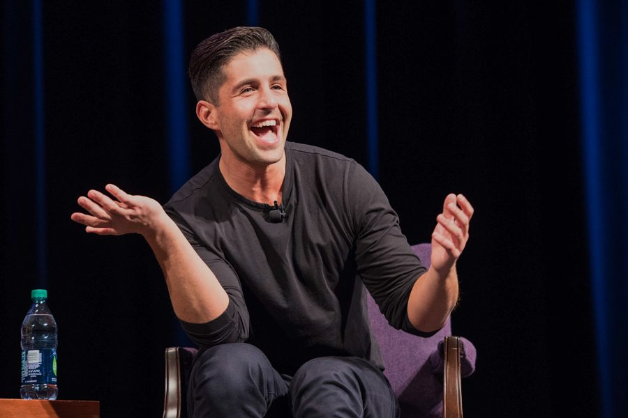 Josh Peck cracks jokes and reflects on his career at the Hillel fall speaker event. The actor and comedian referenced NU slang and discussed the influence Judaism has had on his life.