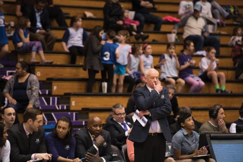 Women's Basketball: Top assistant Sides resigns from Northwestern