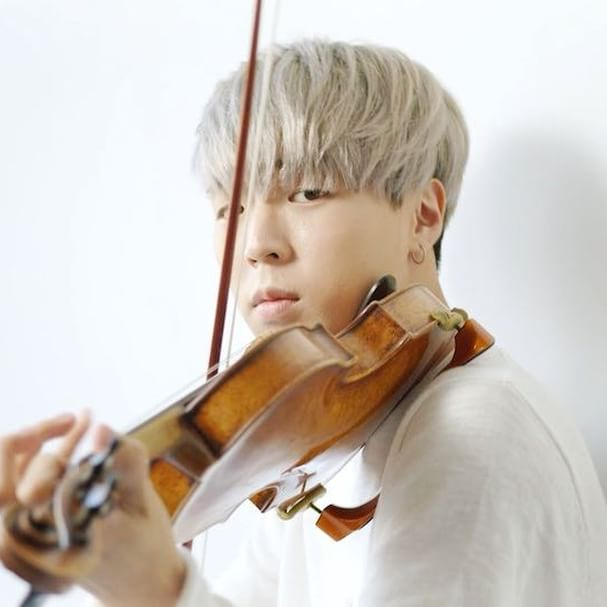 Northwestern+alum+Jun+Sung+Ahn+finds+fame%2C+individuality+on+YouTube