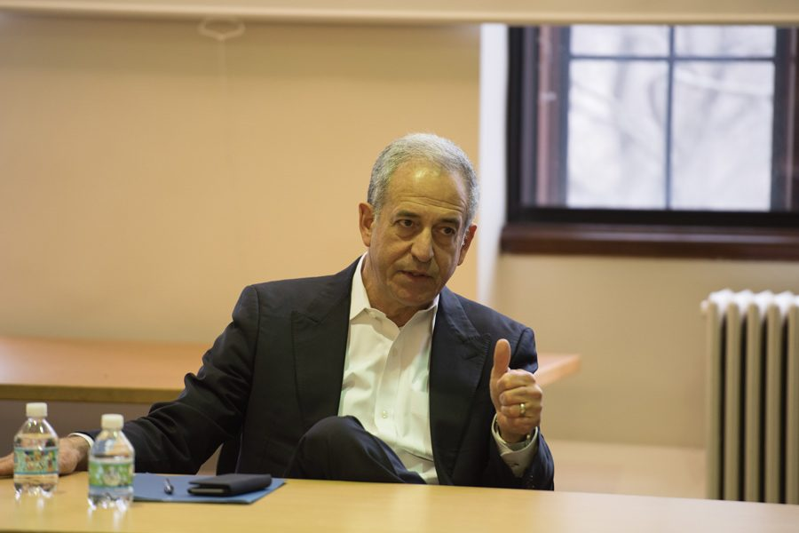 Former+Wisconsin+Sen.+Russell+Feingold+speaks+to+students+about+the+current+state+of+politics+on+Friday.+Feingold+answered+questions+from+students+during+a+Q%26A+session+hosted+by+the+Department+of+Political+Science.+