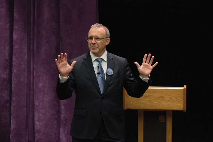 Evanston Mayor Steve Hagerty speaks at a mayoral forum in 2017. Hagerty advised the Liquor Control Review Board to consider different license classifications for Binny's Beverage Depot.