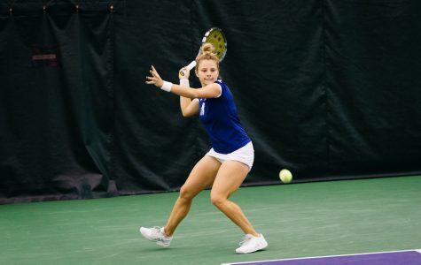 Women's Tennis: Northwestern splits matches against ranked opponents