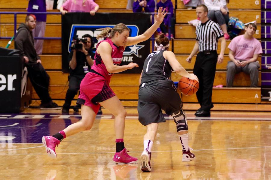 Lydia Rohde plays perimeter defense. The senior guard returned to the lineup in Wednesday's blowout loss.