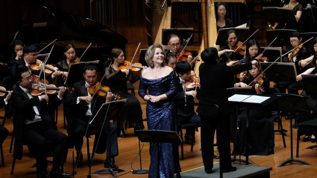 Opera singer Renée Fleming to speak at commencement