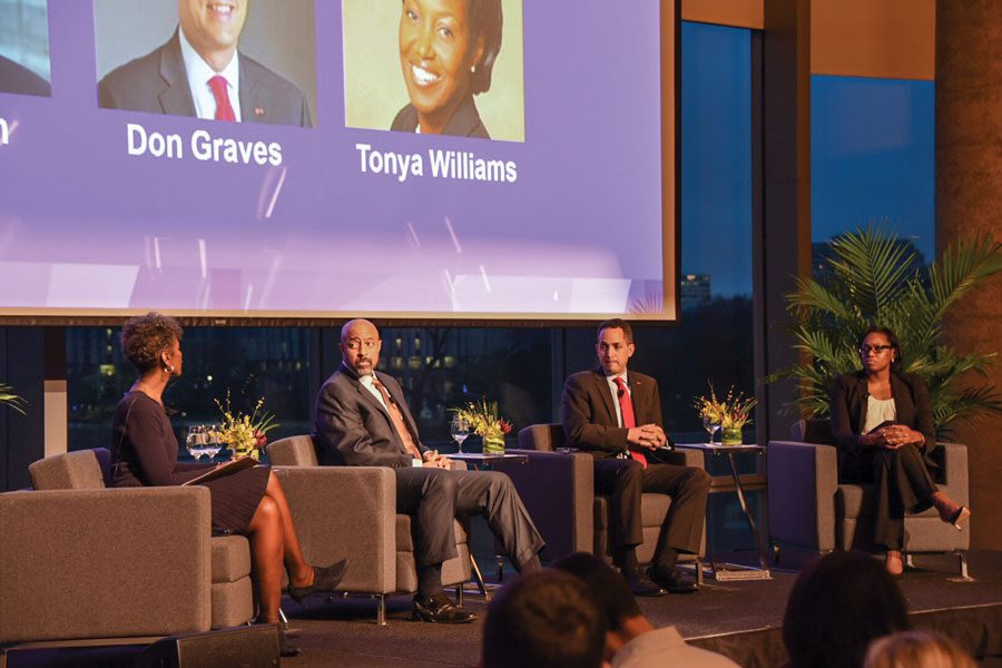 Former+White+House+staffers+Don+Graves%2C+Roy+Austin%2C+Tonya+Williams+speak+at+a+Tuesday+event+moderated+by+NU+alumna+Dorothy+Tucker.+The+group+spoke+about+gun+control+and+tax+reform.