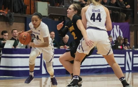 Women's Basketball: Wildcats lose to Iowa, extend losing streak to seven games
