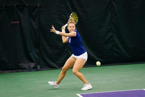 Women's Tennis: Northwestern wins dramatic comeback over No. 22 Washington