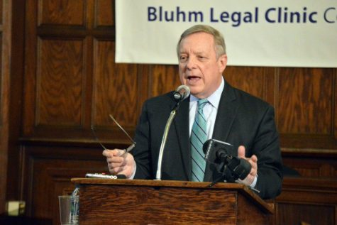 Durbin introduces amendment providing student loan protections