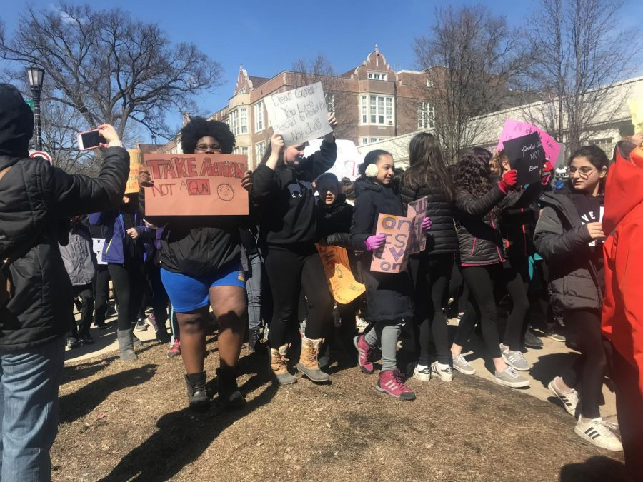 Students+at+Haven+Middle+School+participate+in+a+walkout+on+Wednesday.+Eight+eighth-graders+planned+the+walkout+after+hearing+about+the+school+shooting+in+Parkland%2C+Florida.+