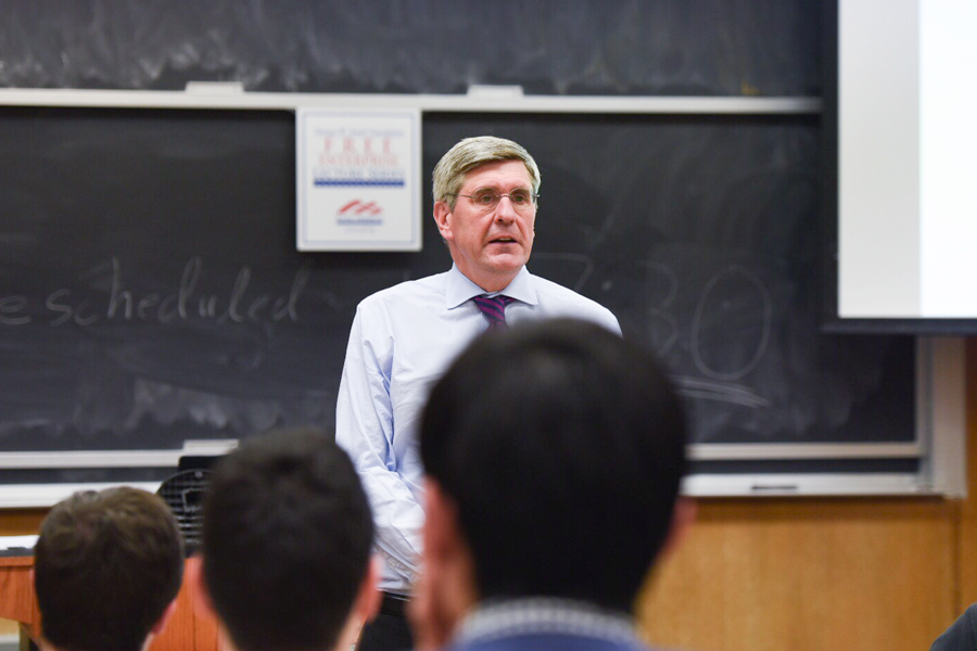 Trump campaign economic advisor Stephen Moore speaks at a College Republicans event. Moore discussed the Republican tax plan and his experiences with the president.