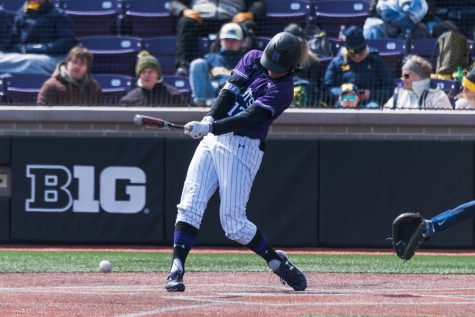 Baseball: Northwestern uses late rallies, timely hitting to sweep Penn State