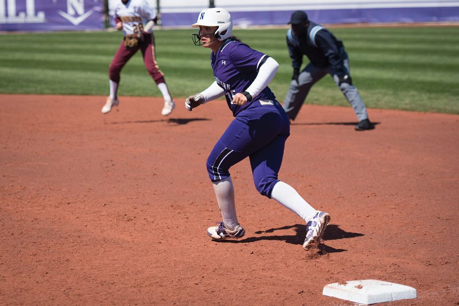 Sammy+Nettling+looks+to+run+from+first+base.+The+senior+catcher+hit+two+home+runs+in+Northwestern%E2%80%99s+series+loss+against+Purdue.