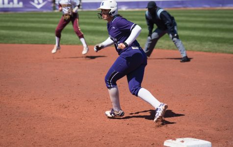 Softball: Northwestern rallies for 2 comeback wins, sweeps Rutgers