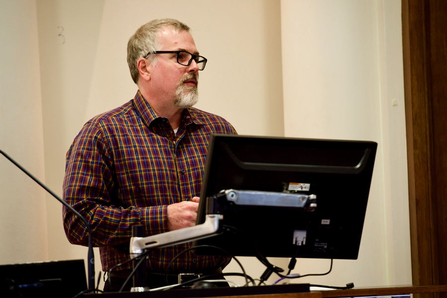 Jeff VanderMeer discusses his approach to environmental storytelling. The acclaimed speculative fiction author spoke in Harris Hall on Friday.