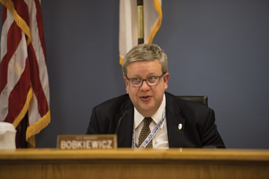 City+manager+Wally+Bobkiewicz+at+a+City+Council+meeting.+The+city+released+a+survey+for+residents+to+give+feedback+on+budget+cuts.+