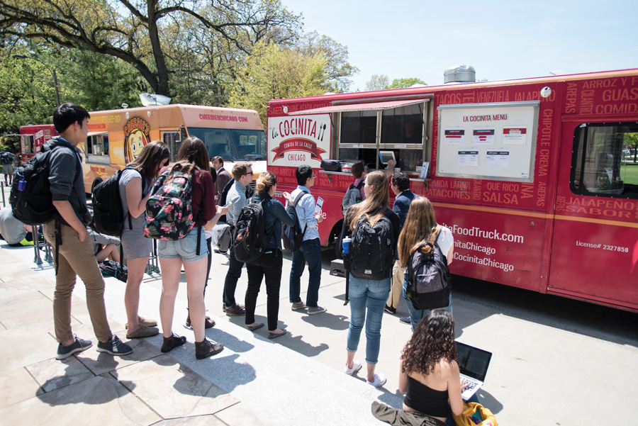 Students wait in line for the La Cocinita food truck. The Evanston-based restaurant will return to Taste of Chicago on Wednesday for its third appearance at the annual food festival.