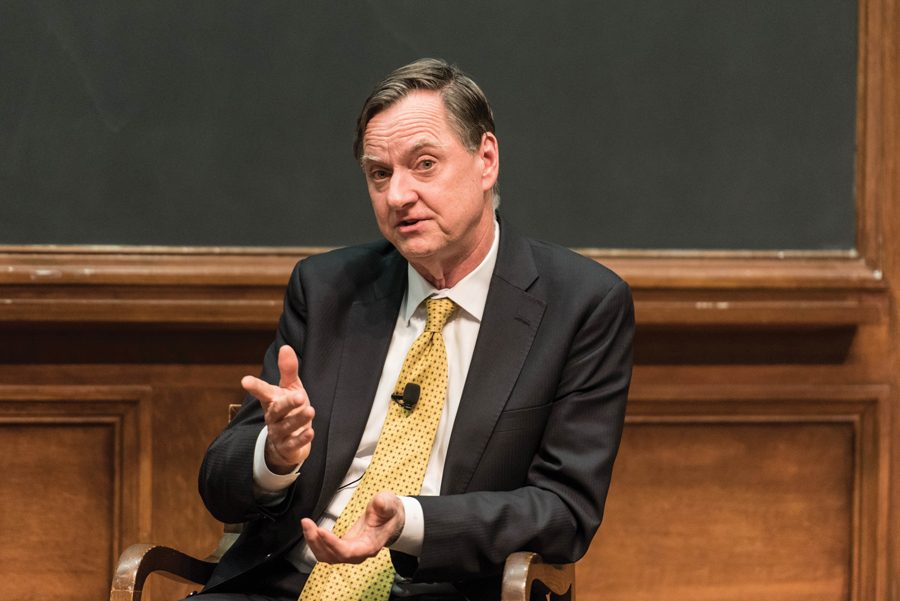 +Charles+Evans%2C+Ph.D.%2C+speaks+Tuesday+in+Harris+Hall.+Evans+discussed+his+career+at+the+Federal+Reserve+Bank+of+Chicago+and+monetary+policy.
