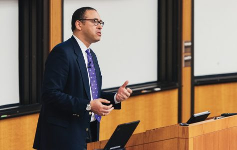Holloway tells Faculty Senate school 'moving forward' on fixing deficit