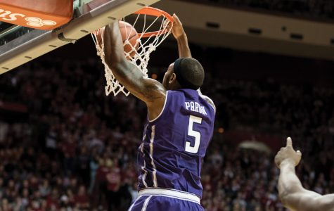 Men's Basketball Notebooks: NU to use new offense system