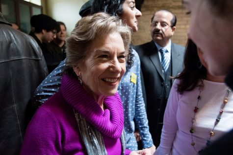 Up against pastor, Schakowsky projected to win 9th Congressional District race