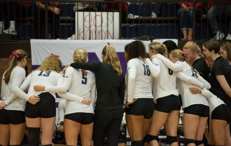 Volleyball: Northwestern loses to rival Illinois for sixth straight loss
