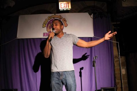 New comedy club premieres first monthly showcase in Evanston bar