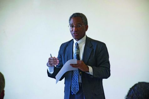Vice president and general counsel Philip Harris no longer at Northwestern