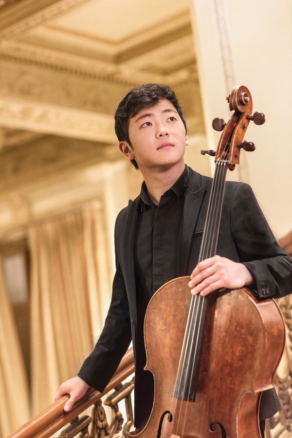 Brannon Cho plays the cello. The Bienen alum won first prize in the Paulo International Cello Competition in late October.