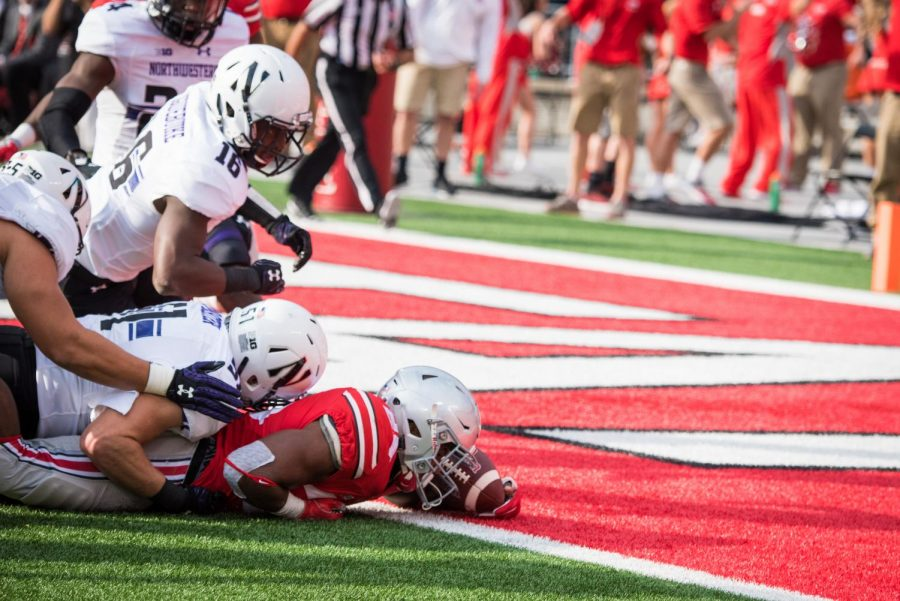 Ohio State sneaks into the end zone against Northwestern in 2016. The two teams will meet next week for the Big Ten title.