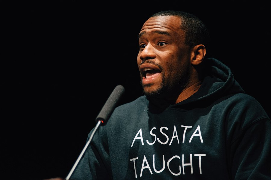 BET host Marc Lamont-Hill speaks in FMO event. Hill encouraged students build community of resistance during this time of chaos.