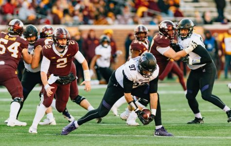Football: Northwestern spurts past Minnesota, 24-14, winning sixth straight Big Ten game