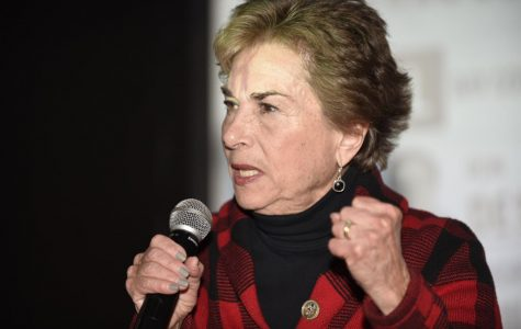 Schakowsky wins re-election