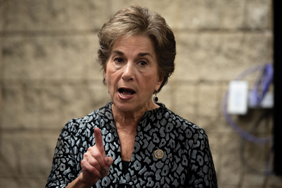 U.S. Rep. Jan Schakowsky (D-Ill.) calls on young people to take to the polls this midterm election.