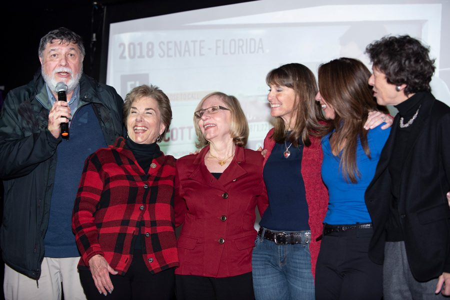U.S.+Rep.+Jan+Schakowsky+%28D-Evanston%29+at+her+election+night+party+Tuesday.+Schakowsky+and+State+Rep.+Robyn+Gabel+%28D-Evanston%29+both+won+re-election+by+over+40+points.+