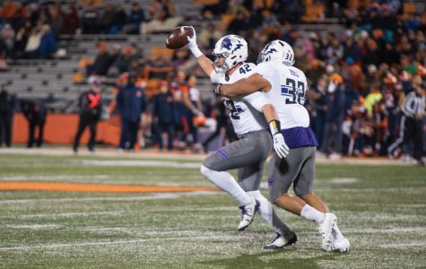 Football: Northwestern senior class looks to go undefeated against rival Illinois