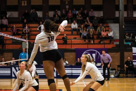Volleyball: Northwestern swept by No. 4 Illinois
