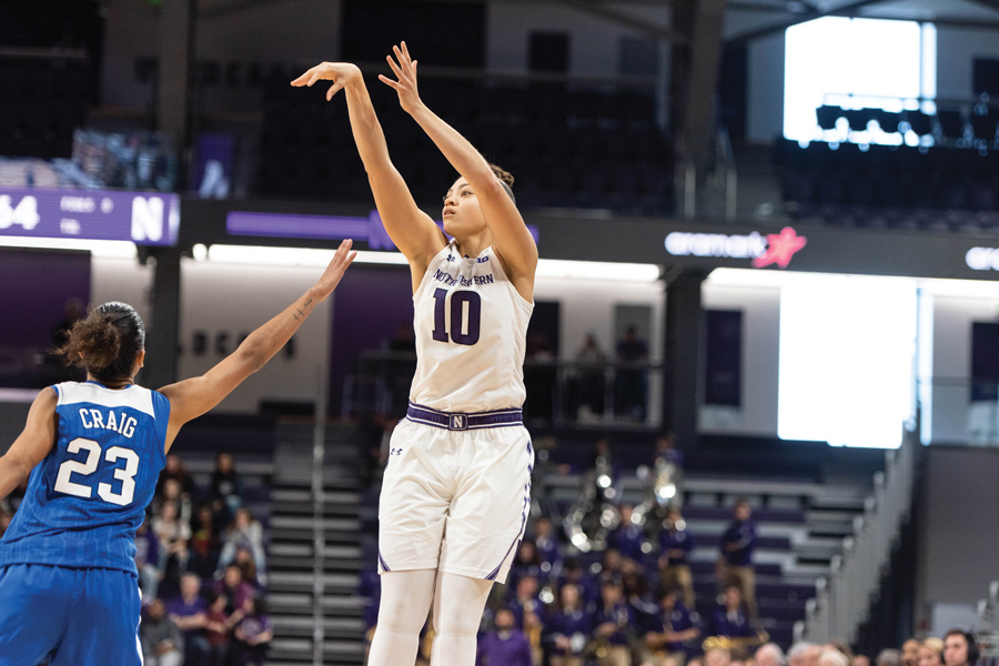 Lindsey Pulliam shoot a jumper. The sophomore guard scored 22 points against UIC.