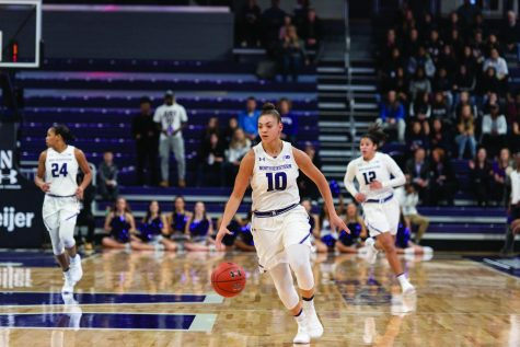 Women's Basketball: Wildcats suffer from shooting woes, injuries in bizarre loss to Pitt