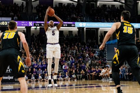 Men's Basketball: Foul trouble on four Wildcats defuses any rhythm in the second half