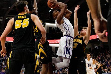 Men's Basketball: Northwestern falls to 1-4 in the Big Ten, loses to Iowa 73-63