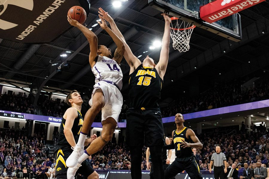 Ryan+Taylor+goes+up+for+a+layup.+The+graduate+guard+had+15+points%2C+though+his+teammates+struggled+from+the+field+in+their+80-60+loss.