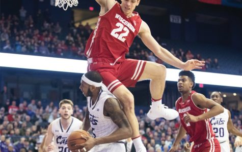 Men's Basketball: Clash of centers highlights impending battle against Badgers