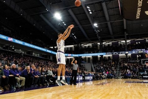 Men's Basketball: Northwestern struggles to score with Vic Law out
