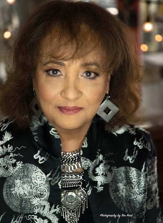 "Northwestern alumna Daphne Maxwell Reid. Reid was Northwestern's first black homecoming queen, who went on to star as Aunt Viv in ""The Fresh Prince of Bel-Air"