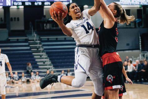 Women's Basketball: Pallas Kunaiyi-Akpanah closes out upset over No. 15 Spartans