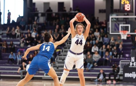 Women's Basketball: Northwestern blows past rival Illinois